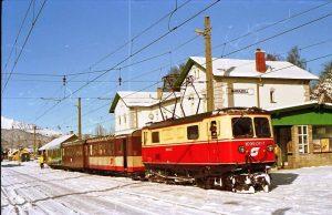 Rakouská horská úzkorozchodná trať ze St. Pölten do Mariazellu měří 84 km. Od roku 2010 převzal provoz...